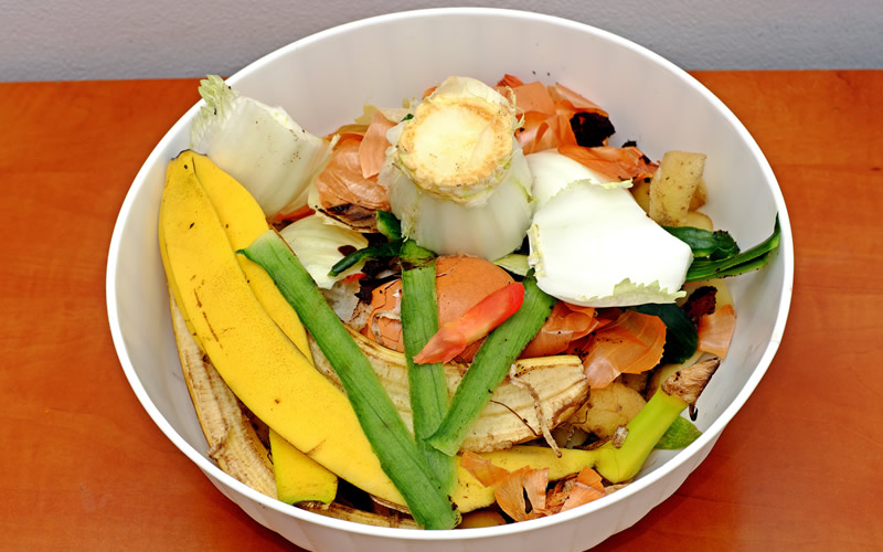 make compost from kitchen waste