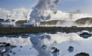 How does geothermal energy produce electricity