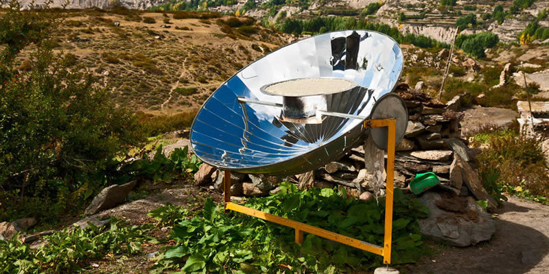 Off-Grid Solar Powered Cooker