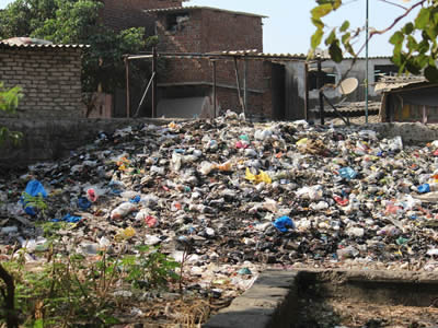 Land polluting waste dumping