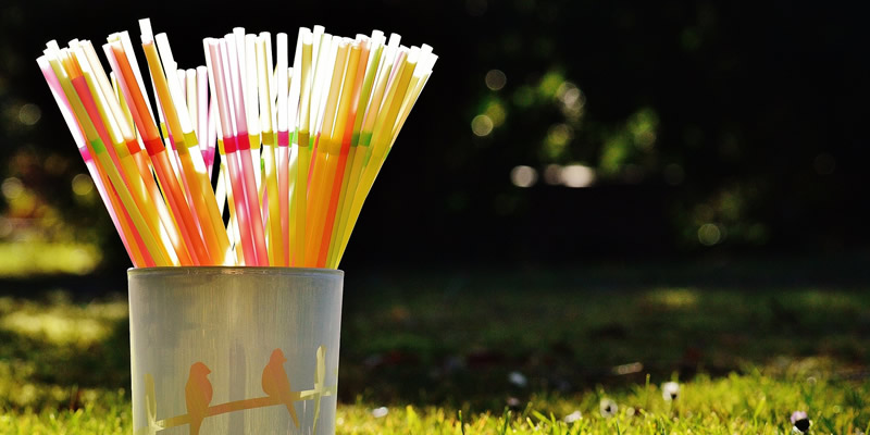 Single-use plastic straws